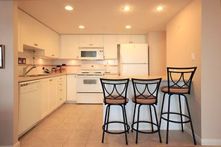Photo 5: 1704 615 HAMILTON STREET in New Westminster: Uptown NW Condo for sale : MLS®# R2136770