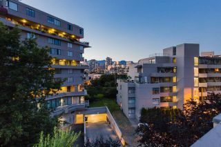 """Photo 17: 302 650 MOBERLY Road in Vancouver: False Creek Condo for sale in """"EDGEWATER"""" (Vancouver West)  : MLS®# R2497514"""