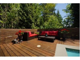 Photo 2: 4411 STONE Crescent in West Vancouver: Home for sale : MLS®# V1071487