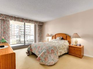 "Photo 13: 901 6152 KATHLEEN Avenue in Burnaby: Metrotown Condo for sale in ""THE EMBASSY"" (Burnaby South)  : MLS®# R2568817"