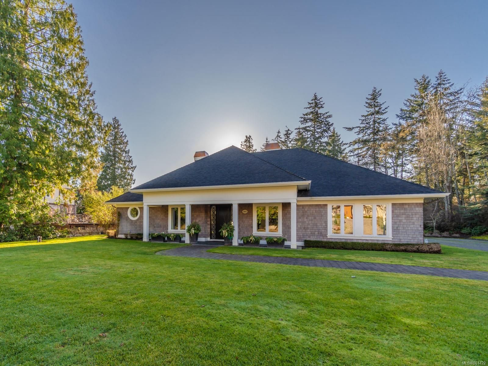 Main Photo: 1820 Amelia Cres in : PQ Nanoose House for sale (Parksville/Qualicum)  : MLS®# 861422