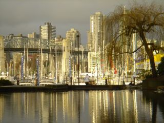 """Photo 1: 1511 MARINER Walk in Vancouver: False Creek Townhouse for sale in """"THE LAGOONS"""" (Vancouver West)  : MLS®# V1076044"""