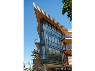 Photo 2: 202 2850 Aldwynd Rd in VICTORIA: La Fairway Condo for sale (Langford)  : MLS®# 669812