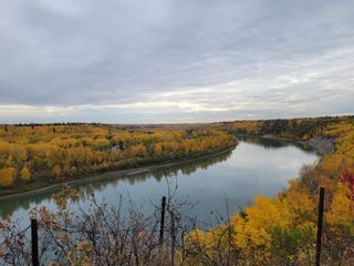 Photo 2: 15107 RIO TERRACE Drive in Edmonton: Zone 22 House for sale : MLS®# E4265008