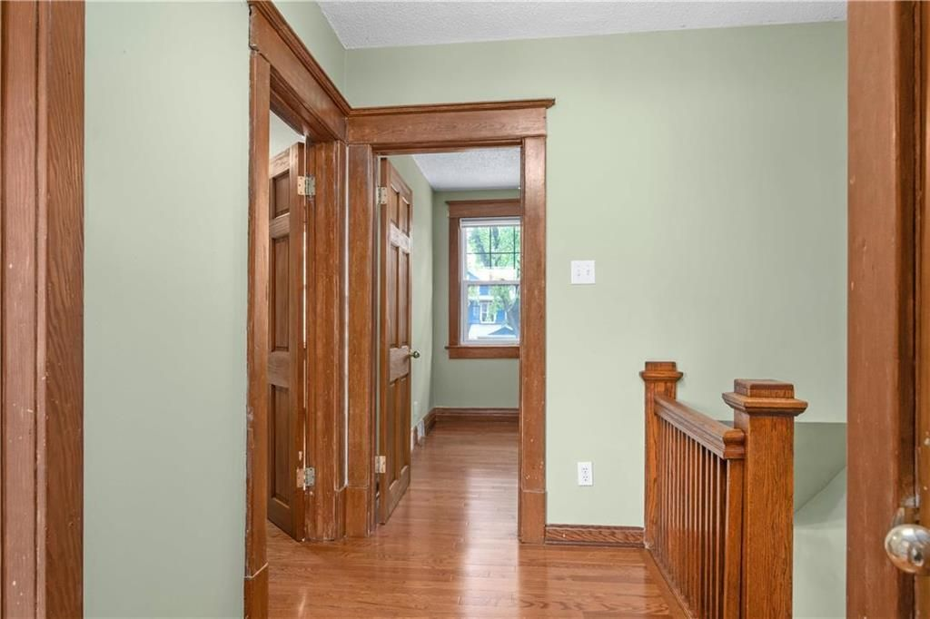 Photo 11: Photos: 778 Warsaw Avenue in Winnipeg: Residential for sale (1B)  : MLS®# 202115955