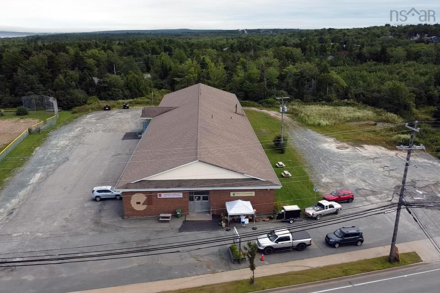 Main Photo: 946 Highway 7 in Westphal: 15-Forest Hills Commercial  (Halifax-Dartmouth)  : MLS®# 202121059