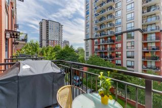 """Photo 6: 35 838 ROYAL Avenue in New Westminster: Downtown NW Townhouse for sale in """"BRICKSTONE WALK II"""" : MLS®# R2077794"""