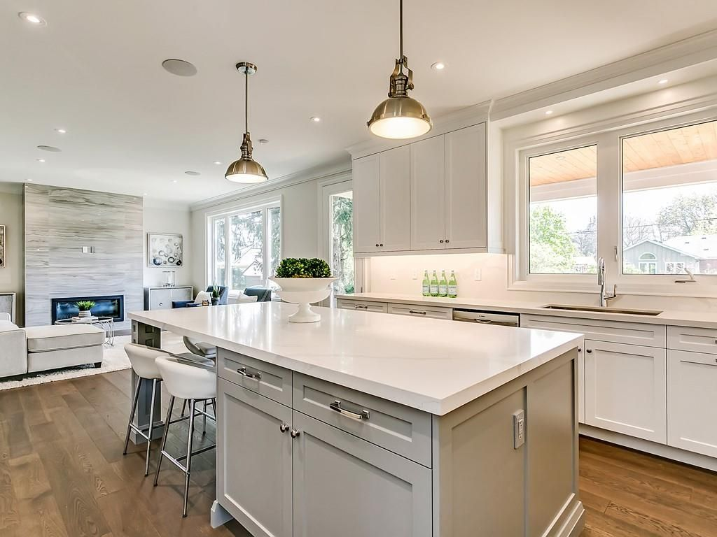 Photo 10: Photos: 2226 COURTLAND Drive in Burlington: Residential for sale : MLS®# H4062761
