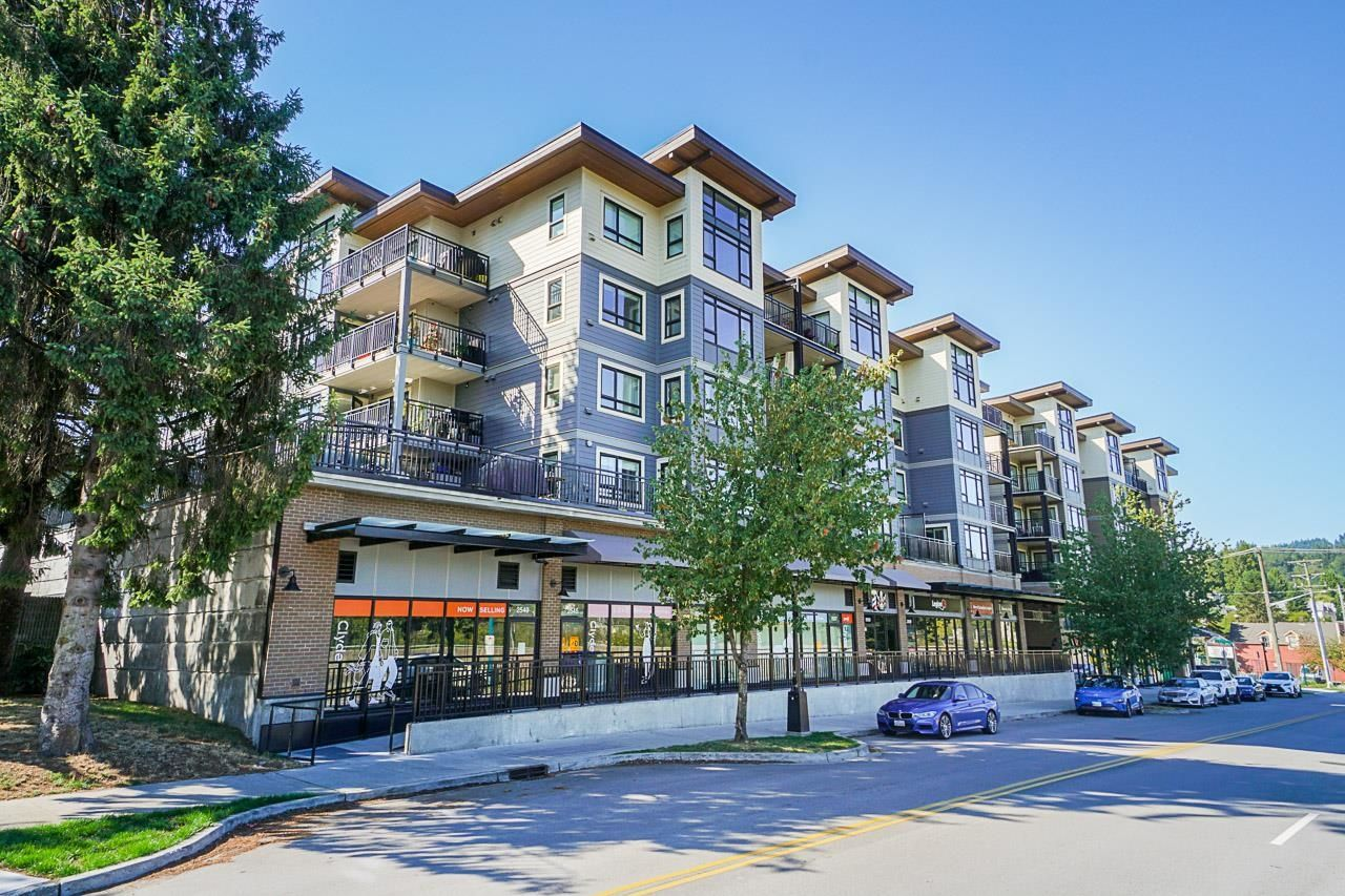 """Main Photo: 313 2525 CLARKE Street in Port Moody: Port Moody Centre Condo for sale in """"THE STRAND"""" : MLS®# R2614957"""