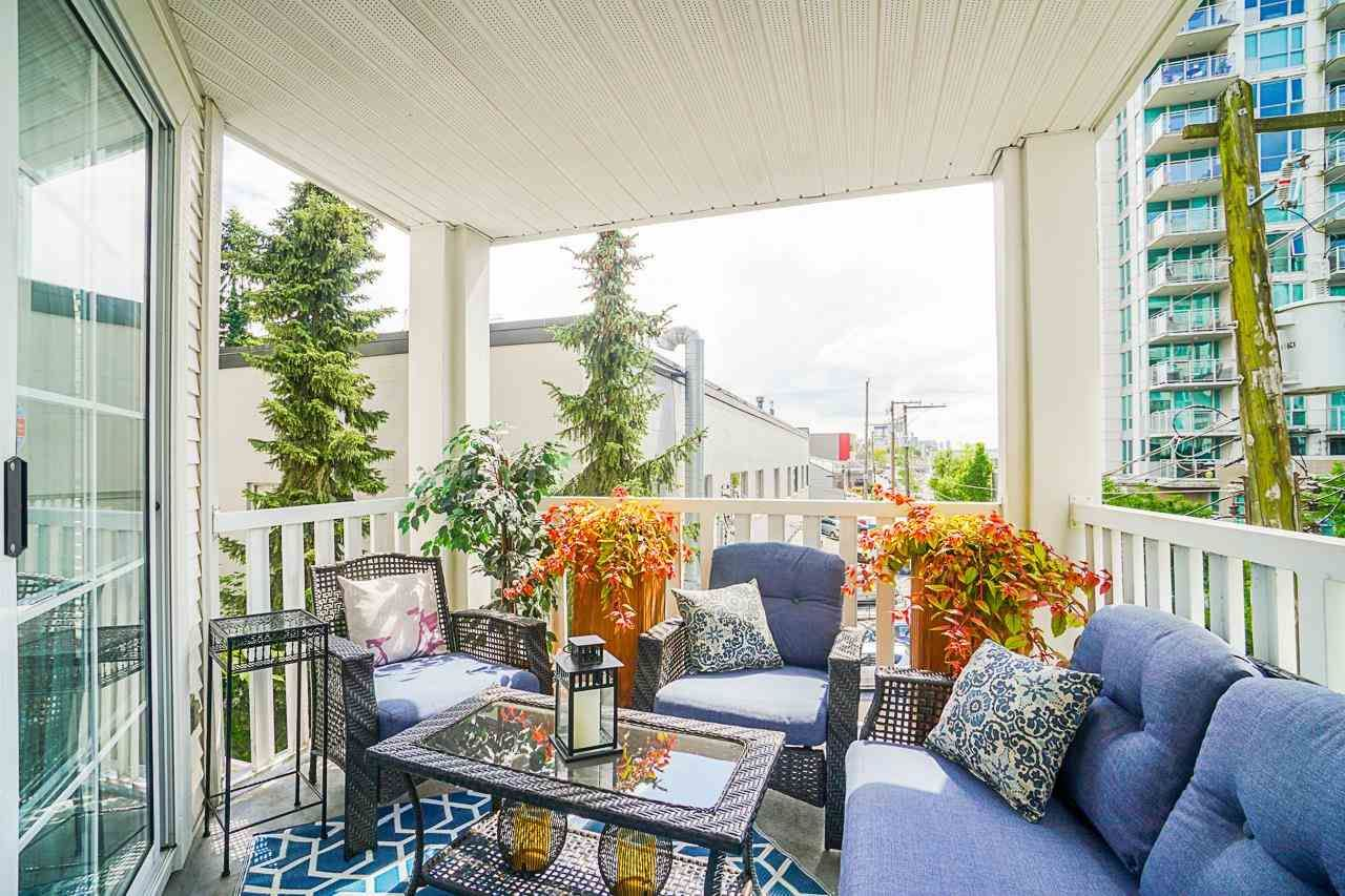 Main Photo: 218 147 E 1ST Street in North Vancouver: Lower Lonsdale Condo for sale : MLS®# R2584132