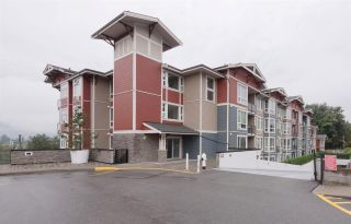 Photo 1: 110 2242 WHATCOM Road in Abbotsford: Abbotsford East Condo for sale : MLS®# R2399148