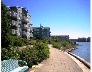 """Photo 11: 310 1990 E KENT Avenue in Vancouver: Fraserview VE Condo for sale in """"Harbour House"""" (Vancouver East)  : MLS®# V775998"""