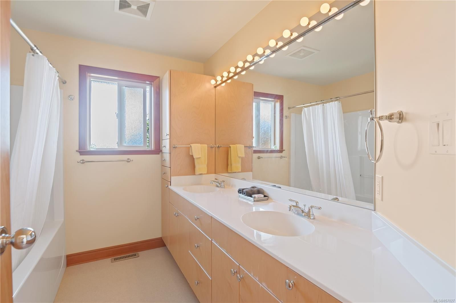 Photo 37: Photos: 253 S Alder St in : CR Campbell River South House for sale (Campbell River)  : MLS®# 857027