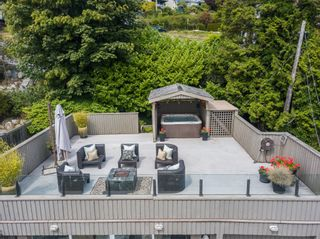 """Photo 32: 14616 WEST BEACH Avenue: White Rock House for sale in """"WHITE ROCK"""" (South Surrey White Rock)  : MLS®# R2408547"""