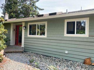 Photo 1: 5687 MEDUSA Street in Sechelt: Sechelt District House for sale (Sunshine Coast)  : MLS®# R2605558