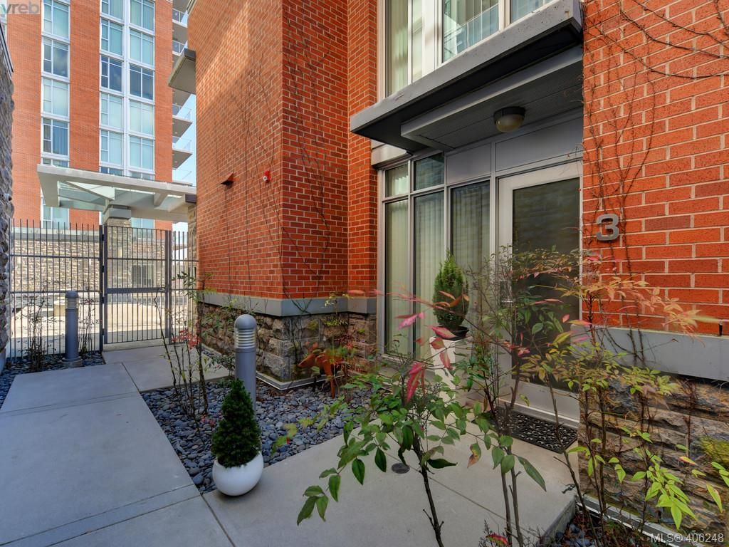 Photo 2: Photos: TH3 100 Saghalie Rd in VICTORIA: VW Songhees Row/Townhouse for sale (Victoria West)  : MLS®# 807394