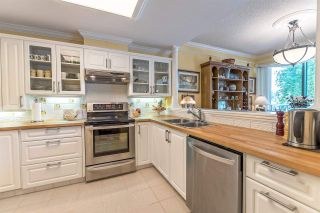 """Photo 7: 301 1785 MARTIN Drive in Surrey: Sunnyside Park Surrey Condo for sale in """"Southwynd"""" (South Surrey White Rock)  : MLS®# R2185400"""