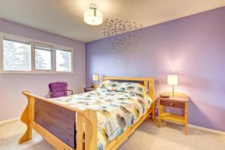 Photo 17: 1112 NINGA Road NW in Calgary: North Haven Semi Detached for sale : MLS®# C4222139