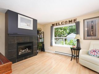 Photo 2: 117 2723 Jacklin Rd in Langford: La Langford Proper Row/Townhouse for sale : MLS®# 842337