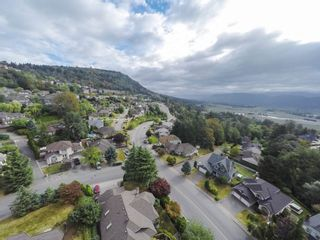 "Photo 16: 35880 GRAYSTONE Drive in Abbotsford: Abbotsford East House for sale in ""Sumas Mountain"" : MLS®# R2102263"