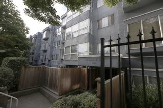 """Photo 20: 206 2133 DUNDAS Street in Vancouver: Hastings Condo for sale in """"Harbourgate"""" (Vancouver East)  : MLS®# R2395295"""