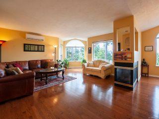 Photo 1: 5964 Chippewa Rd in DUNCAN: Du East Duncan House for sale (Duncan)  : MLS®# 833745