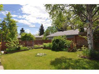 Photo 4: 80 GLAMORGAN Drive SW in Calgary: Glamorgan House for sale : MLS®# C4015454