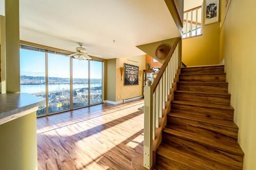"Main Photo: 303 60 RICHMOND Street in New Westminster: Fraserview NW Condo for sale in ""Gatehouse Place"" : MLS®# R2239371"