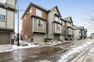 Main Photo: 20 Quarry Lane SE in Calgary: Douglasdale/Glen Row/Townhouse for sale : MLS®# A1090748