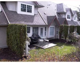 """Photo 8: 26 23085 118TH Avenue in Maple_Ridge: East Central Townhouse for sale in """"SOMMERVILLE GARDENS"""" (Maple Ridge)  : MLS®# V638889"""