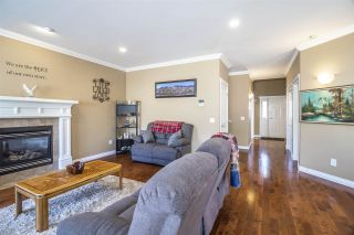 Photo 4: 26877 25A Avenue in Langley: Aldergrove Langley House for sale : MLS®# R2391582