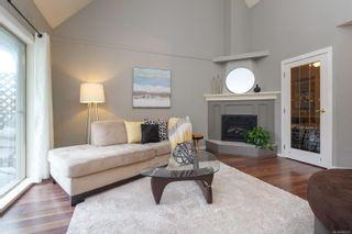 Photo 11: 302 2211 Shelbourne St in : Vi Jubilee Condo for sale (Victoria)  : MLS®# 856216