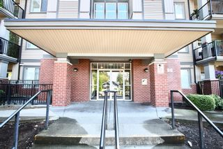 Photo 4: 311 33898 Pine Street in Abbotsford: Central Abbotsford Condo for sale : MLS®# R2601306