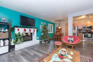 Photo 3: 617 Hoylake Ave in VICTORIA: La Thetis Heights Half Duplex for sale (Langford)  : MLS®# 775869