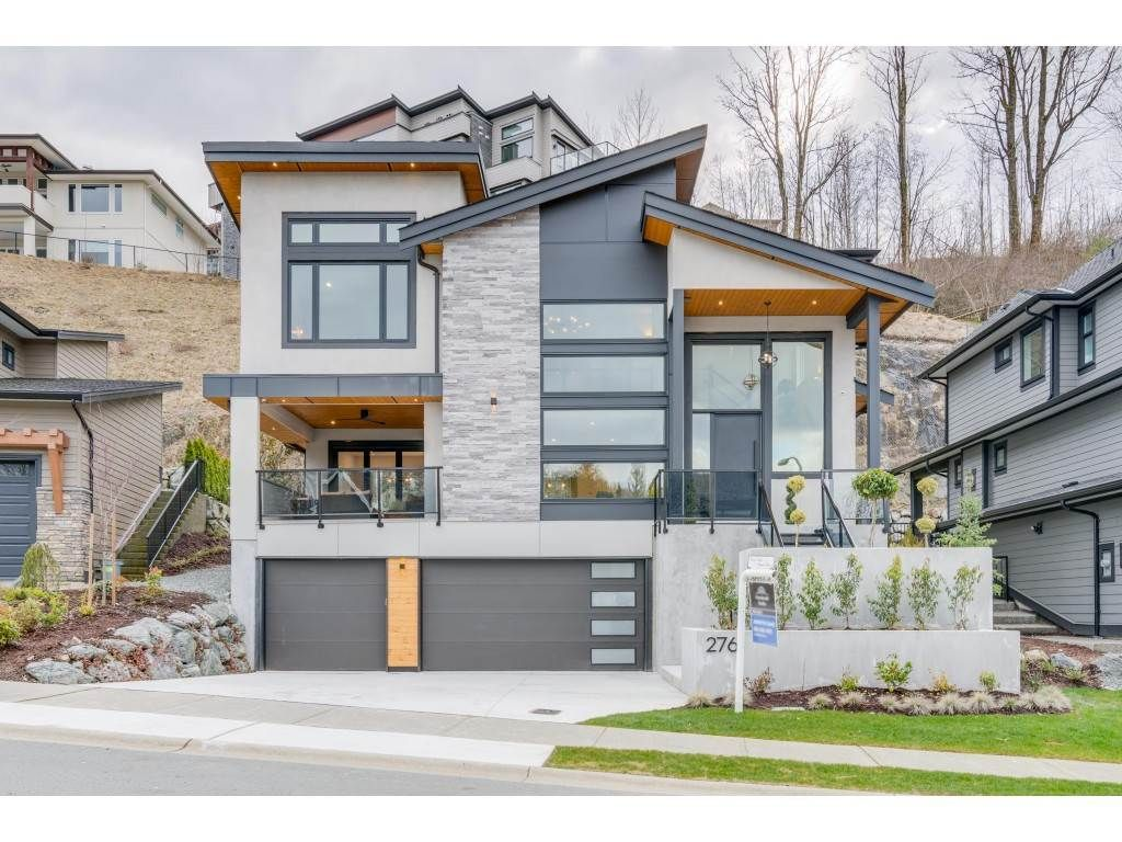 """Main Photo: 2761 AQUILA Drive in Abbotsford: Abbotsford East House for sale in """"EAGLE MOUNTAIN"""" : MLS®# R2429161"""