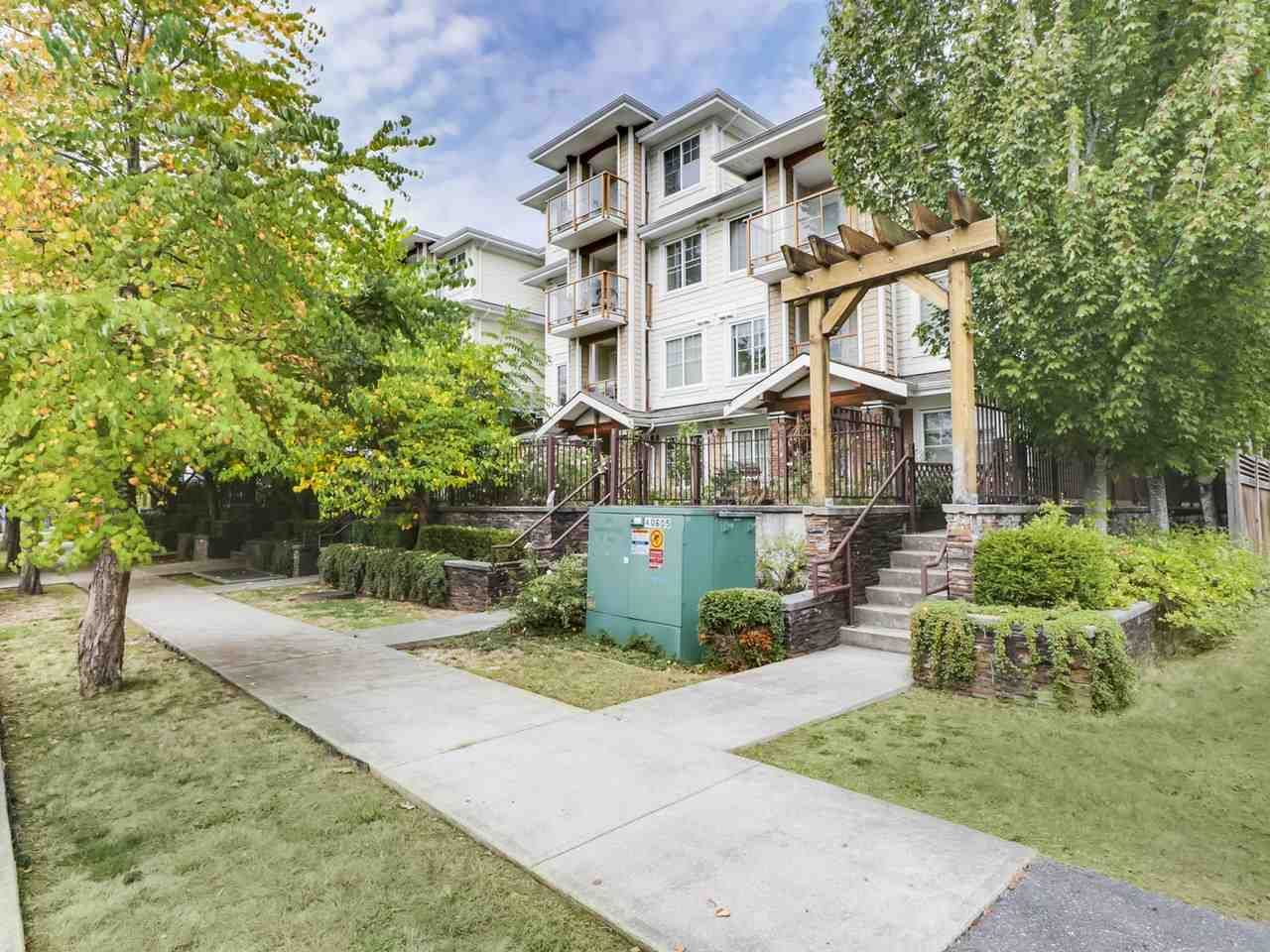 """Main Photo: 304 1969 WESTMINSTER Avenue in Port Coquitlam: Glenwood PQ Condo for sale in """"THE SAPHHIRE"""" : MLS®# R2504819"""