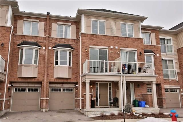 Main Photo: 133 165 Hampshire Way in Milton: Dempsey House (3-Storey) for sale : MLS®# W4029371