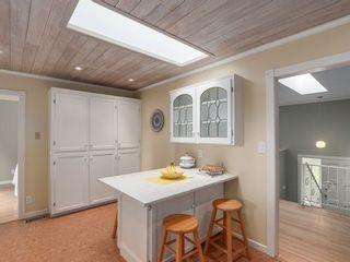 Photo 10: 12370 SEACREST Drive: Crescent Bch Ocean Pk. Home for sale ()  : MLS®# F1433450