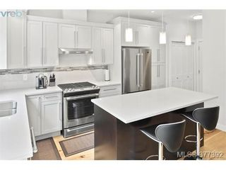 Photo 3: 2943 Burlington Cres in VICTORIA: La Langford Lake House for sale (Langford)  : MLS®# 757696