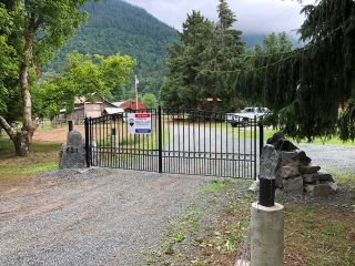 Photo 4: 621 BLATCHFORD Road: Columbia Valley House for sale (Cultus Lake)  : MLS®# R2362562