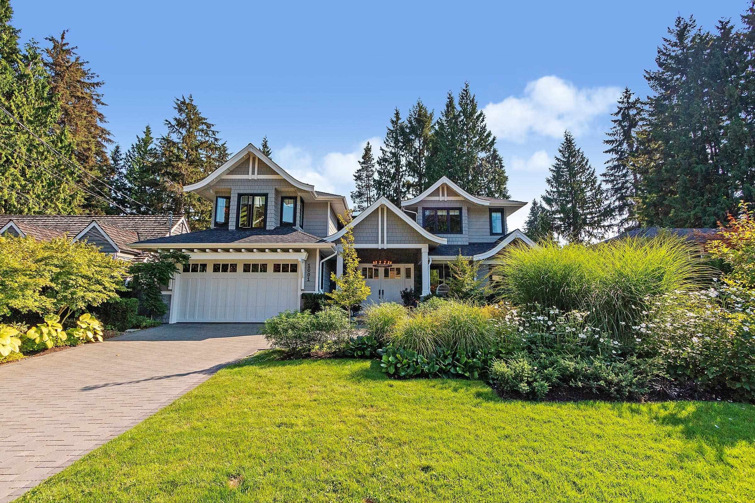 Main Photo: 1001 PROSPECT Avenue in North Vancouver: Canyon Heights NV House for sale : MLS®# R2613235