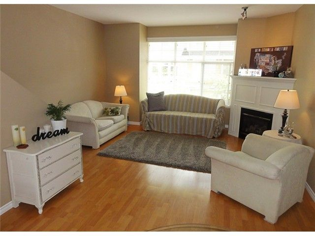 """Photo 2: Photos: # 2 6588 188TH ST in Surrey: Cloverdale BC Townhouse for sale in """"Hillcrest Place"""" (Cloverdale)  : MLS®# F1321944"""