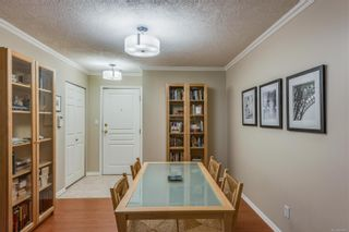 Photo 13: 102 1025 Meares St in Victoria: Vi Downtown Condo for sale : MLS®# 858477