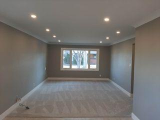 Photo 3: 7502 94 Avenue in Edmonton: Zone 18 House for sale : MLS®# E4237533