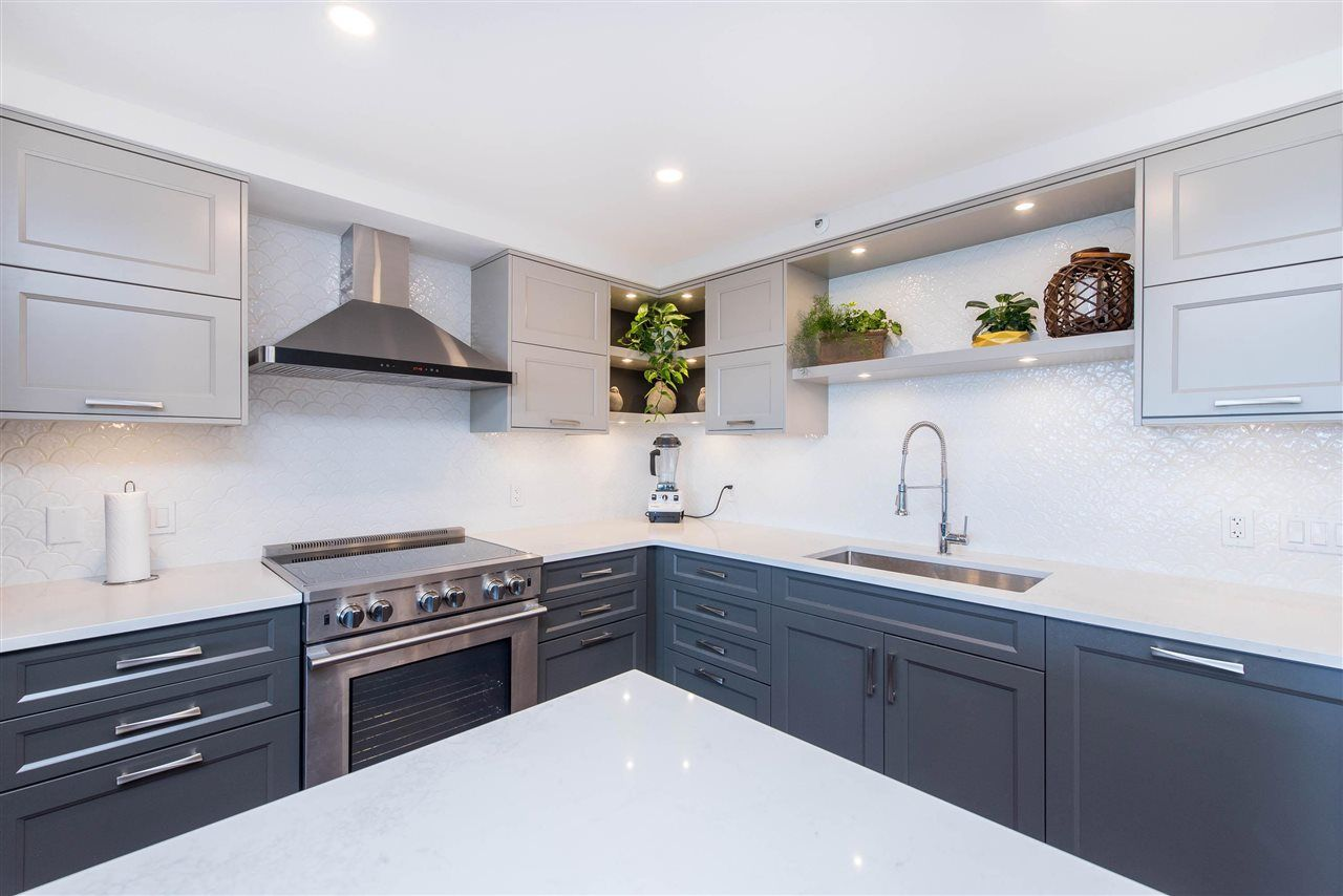 """Photo 6: Photos: 1402 3190 GLADWIN Road in Abbotsford: Central Abbotsford Condo for sale in """"Regency Park"""" : MLS®# R2589497"""