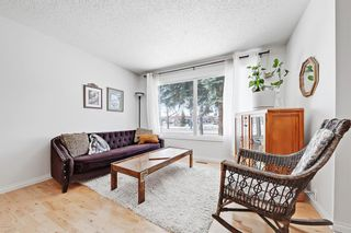 Photo 5: 386 Midridge Drive SE in Calgary: Midnapore Semi Detached for sale : MLS®# A1088291