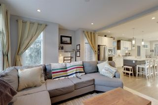 Photo 2: 47 2888 156 STREET in Surrey: Grandview Surrey Townhouse for sale (South Surrey White Rock)  : MLS®# R2422798