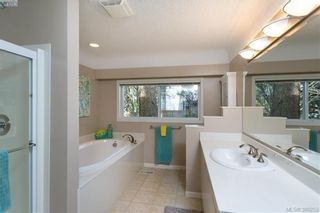 Photo 13: 1108 McBriar Ave in VICTORIA: SE Lake Hill House for sale (Saanich East)  : MLS®# 780264