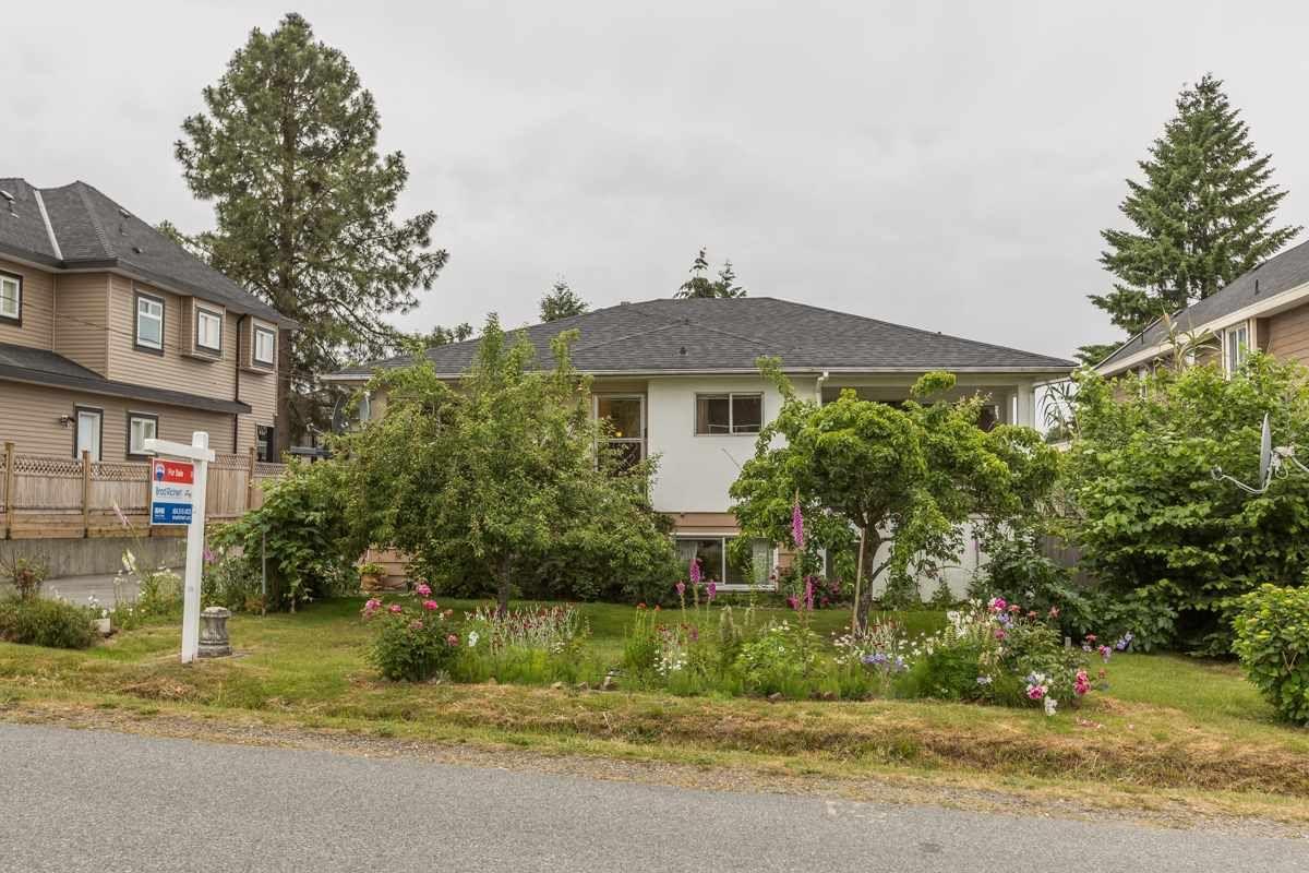 Main Photo: 9881 123RD Street in Surrey: Cedar Hills House for sale (North Surrey)  : MLS®# R2074552
