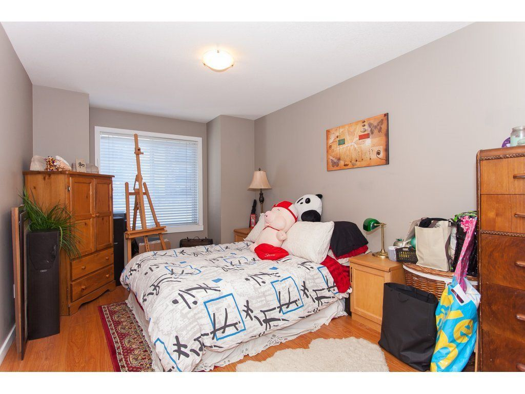 """Photo 14: Photos: 412 33960 OLD YALE Road in Abbotsford: Central Abbotsford Condo for sale in """"Old Yale Heights"""" : MLS®# R2241666"""